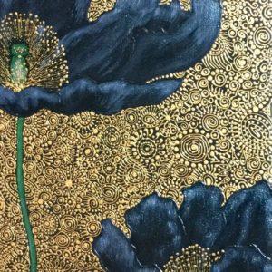 Arannyal díszített virágok